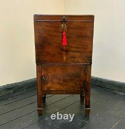 A Rare & Fine 18thc George III Figured Mahogany Drinks Decanter Bottle Cabinet