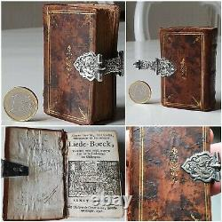 Beautiful collection Old & rare books, 16th / 18th c. In fine bindings & silver